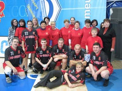 http://www.np-mos.ru/images/stories/vlad/sport/2010/0991-10-1121-kubok01.jpg